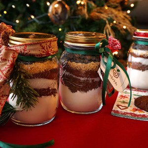 CHRISTMAS COOKIES IN A JAR